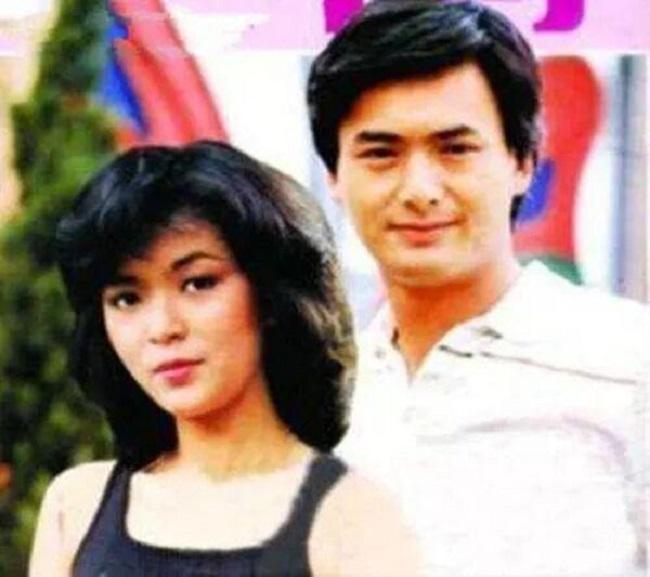 Những cặp đôi Hoa ngữ yêu nhau sâu đậm nhưng cái kết không trọn vẹn: Thư Kỳ sống không danh phận vì quá khứ đóng phim 18+-12