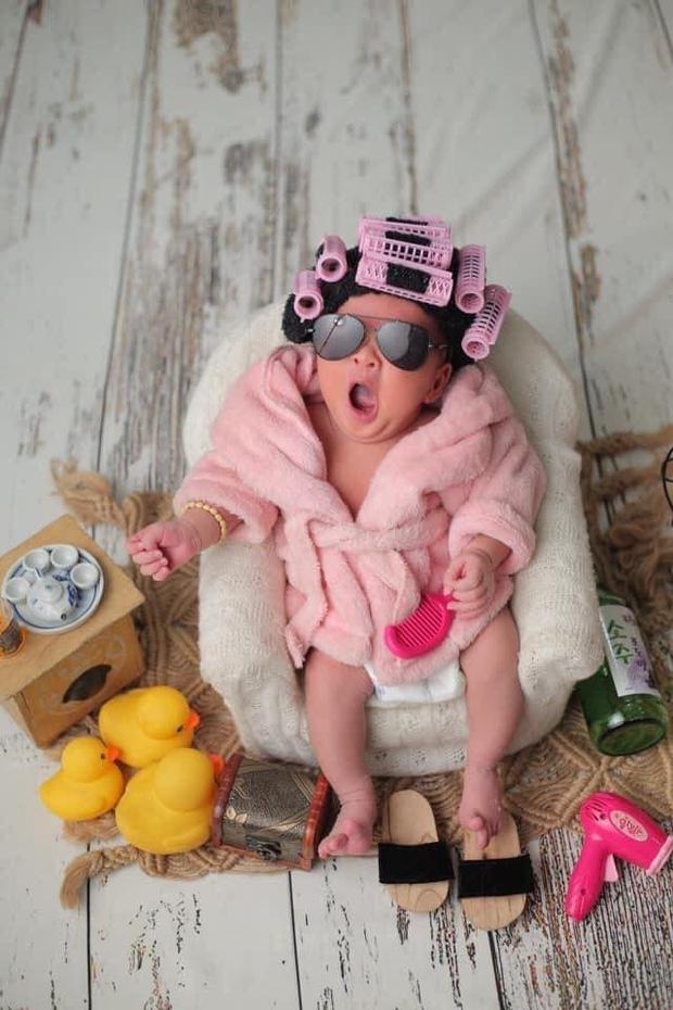 """MXH phát sốt vì ảnh hiếm của con gái Jack và Thiên An lúc 4 tháng tuổi: Mặt như bản sao của bố, cực yêu khi lên đồ""""-1"""