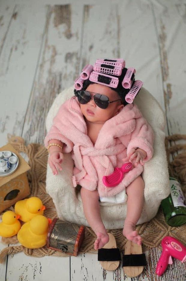 """MXH phát sốt vì ảnh hiếm của con gái Jack và Thiên An lúc 4 tháng tuổi: Mặt như bản sao của bố, cực yêu khi lên đồ""""-2"""