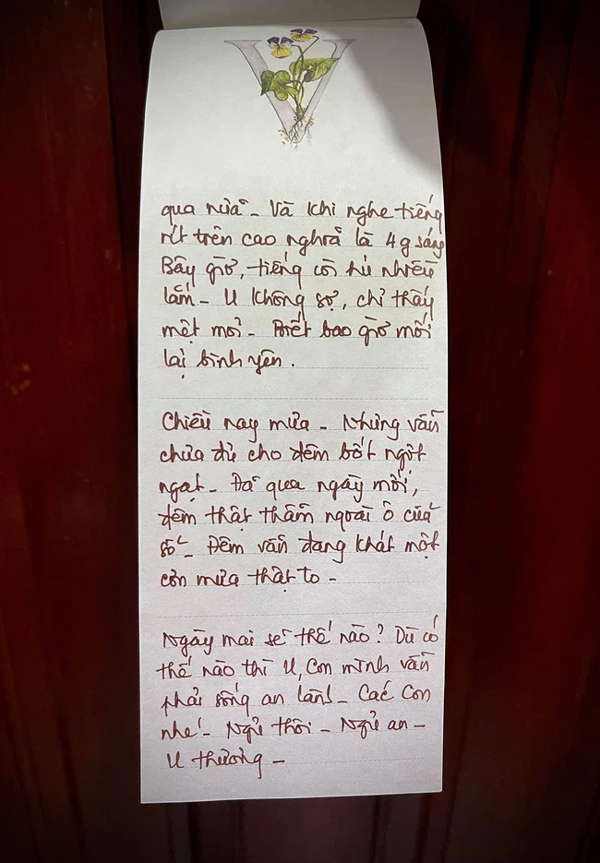 """Con trai nghệ nhân ẩm thực Nguyễn Dzoãn Cẩm Vân cho biết mẹ mình từng nhiễm Covid-19 nửa đêm bật dậy ló đầu ra cửa sổ để thở, sáng ra ăn cả nắm ớt không thấy cay""""-3"""