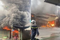 Cháy dữ dội ở chợ ngoại thành Hà Nội, cột khói, lửa bốc cao hàng chục mét