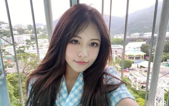 """HOT: Châu Tinh Trì lộ ảnh hẹn hò mỹ nhân kém 42 tuổi, danh tính cô gái trong mối tình ông cháu"""" được hé lộ-7"""