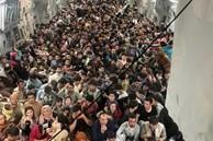 Bức ảnh gây sốc: Hơn 600 người Afghanistan nhồi nhét kín đặc trong khoang máy bay Mỹ để tháo chạy khỏi đất nước