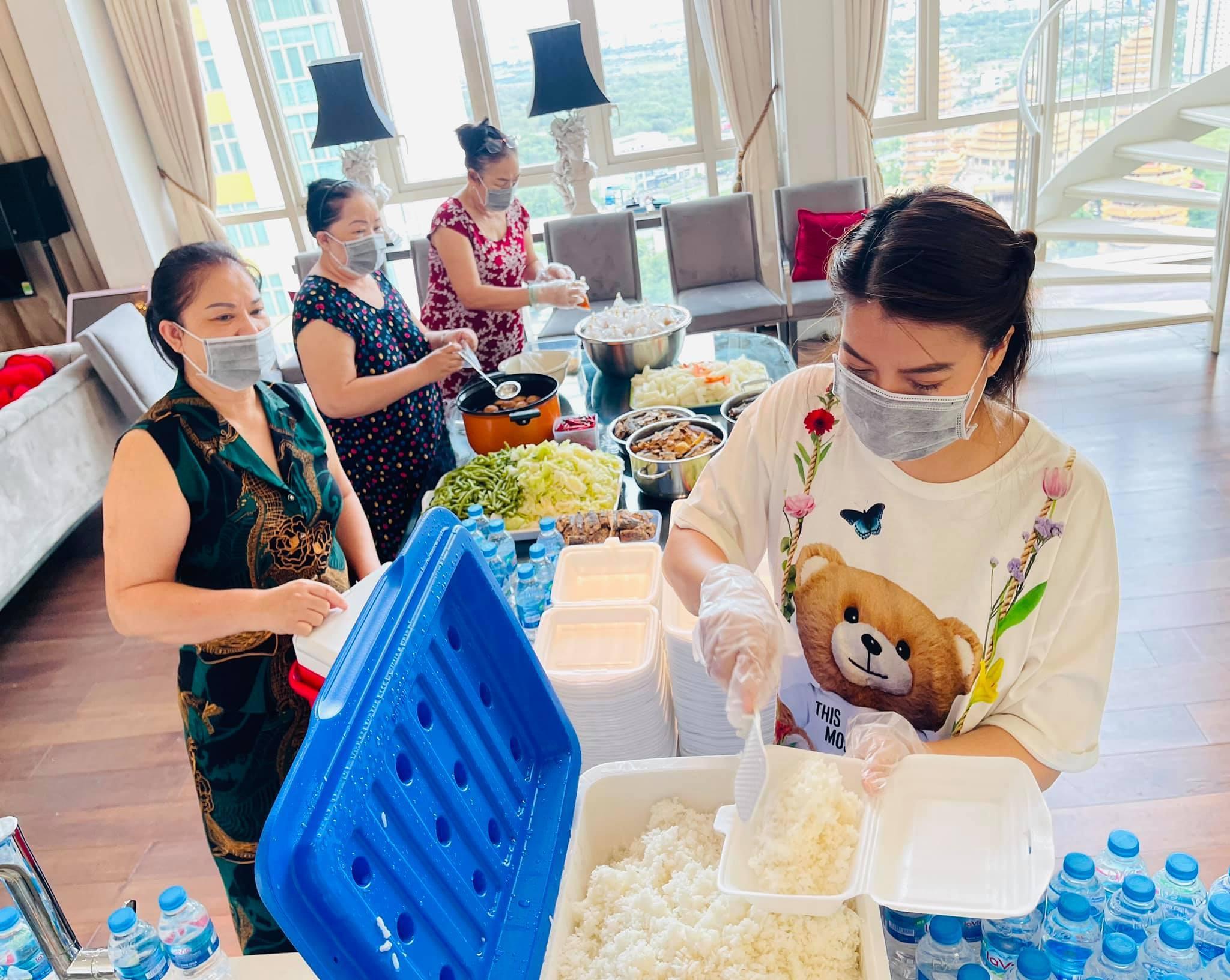Trương Ngọc Ánh tặng 1 tấn gạo cho dân nghèo, muốn bán hết đồ đẹp làm việc thiện-5