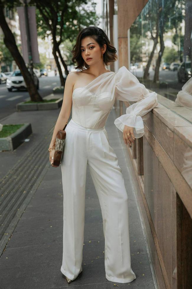 Tình huống trớ trêu: Một nữ diễn viên Vbiz chỉ mặc áo ngực khi đi siêu thị-4