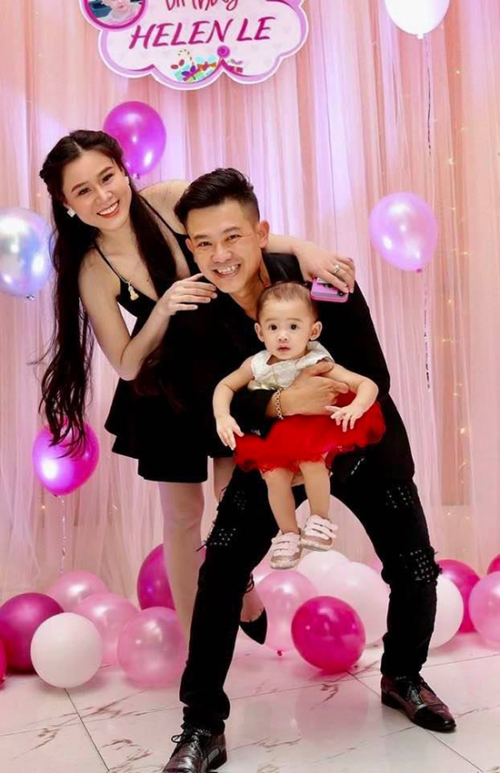 Con gái cố NS Vân Quang Long hồn nhiên mừng sinh nhật 3 tuổi, xót xa vì thiếu đi 1 điều sau 8 tháng bố qua đời-6