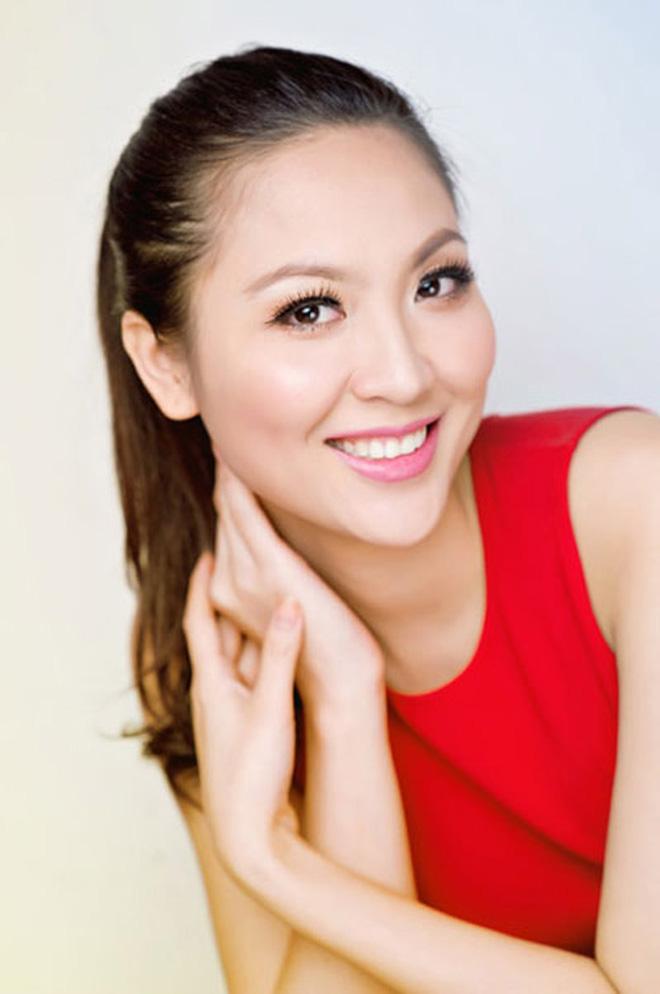 Biệt tăm khỏi showbiz sau khi chồng đi tù, cuộc sống của cô lọ lem bán bánh canh thành Hoa hậu Việt Nam 2000 giờ ra sao?-8