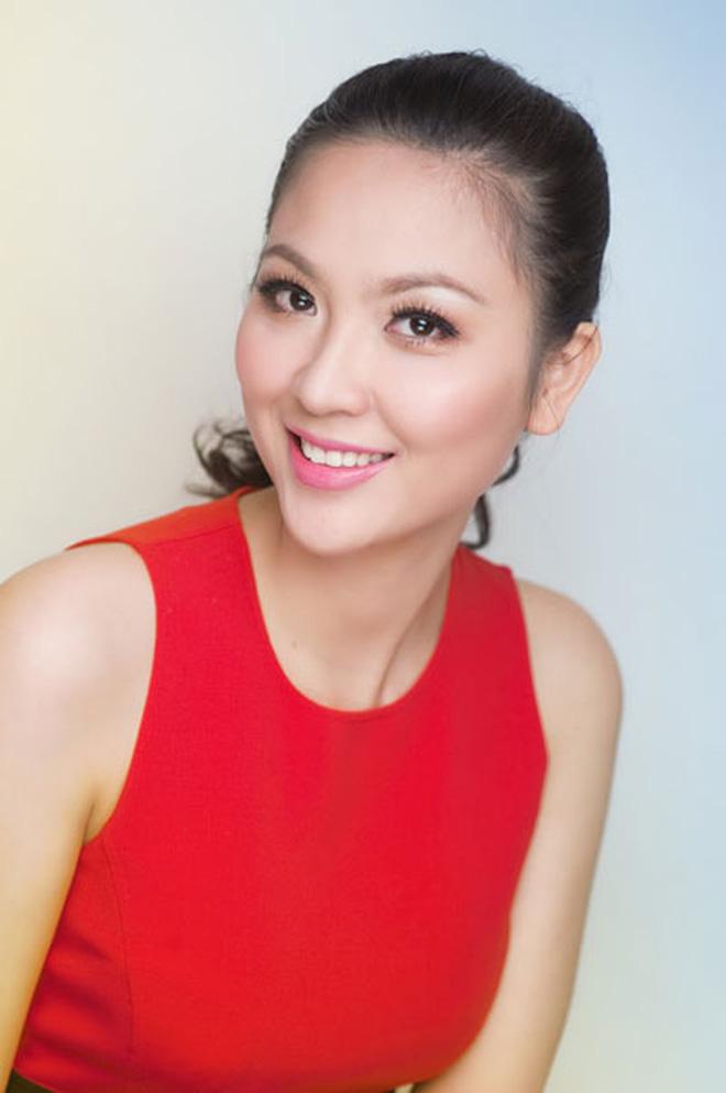 Biệt tăm khỏi showbiz sau khi chồng đi tù, cuộc sống của cô lọ lem bán bánh canh thành Hoa hậu Việt Nam 2000 giờ ra sao?-9