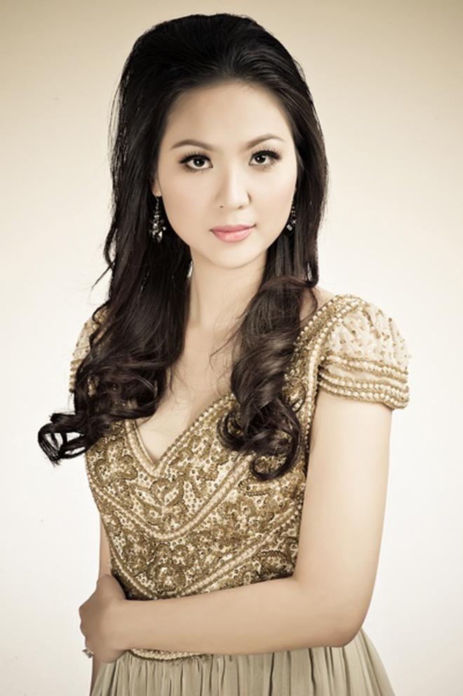 Biệt tăm khỏi showbiz sau khi chồng đi tù, cuộc sống của cô lọ lem bán bánh canh thành Hoa hậu Việt Nam 2000 giờ ra sao?-3