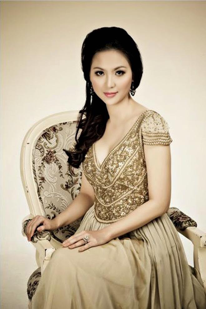 Biệt tăm khỏi showbiz sau khi chồng đi tù, cuộc sống của cô lọ lem bán bánh canh thành Hoa hậu Việt Nam 2000 giờ ra sao?-4