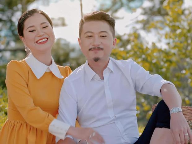 Nghĩ Hứa Minh Đạt đi chơi đêm với cô gái khác, Lâm Vỹ Dạ nổi máu ghen tuông đập vỡ luôn điện thoại của chồng-3