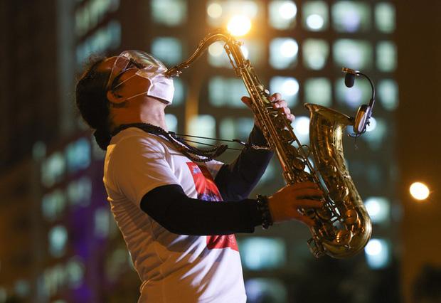 Nhạc sĩ saxophone Trần Mạnh Tuấn bị đột quỵ, chẩn đoán vỡ mạch máu não-2