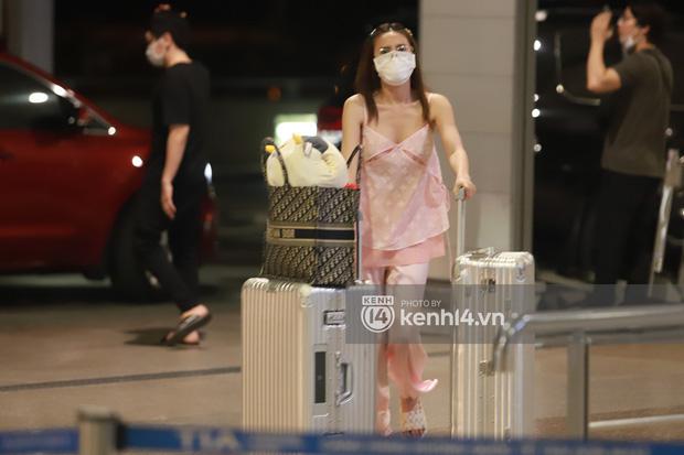 Hình ảnh giúp Ninh Dương Lan Ngọc thanh minh cho vụ tranh cãi mặc đồ ngủ ra sân bay?-1