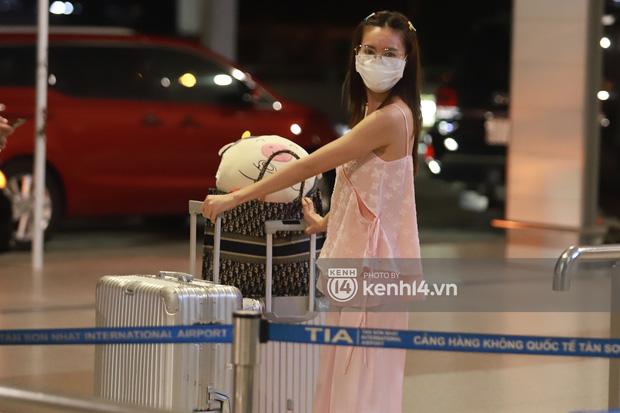 Hình ảnh giúp Ninh Dương Lan Ngọc thanh minh cho vụ tranh cãi mặc đồ ngủ ra sân bay?-2