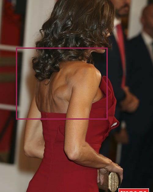 Hoàng hậu Tây Ban Nha nhiều lần diện đầm lộ vai gân guốc thô cứng, còn đâu là biểu tượng mặc đẹp hơn Kate-2