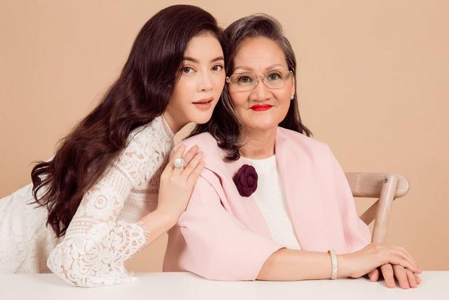 Nhữngngười phụ nữ quyền lực của sao Việt: Nhà Đông Nhi - Ông Cao Thắng quá sang, mẹ Hà Hồ gây bất ngờ vì điều này-5