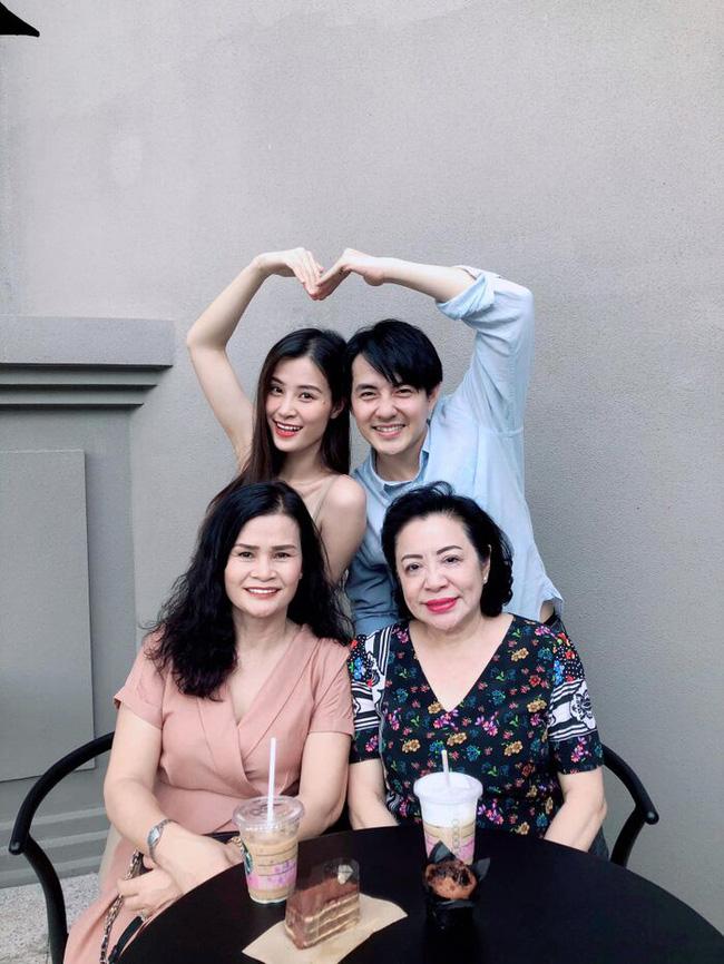 Nhữngngười phụ nữ quyền lực của sao Việt: Nhà Đông Nhi - Ông Cao Thắng quá sang, mẹ Hà Hồ gây bất ngờ vì điều này-12