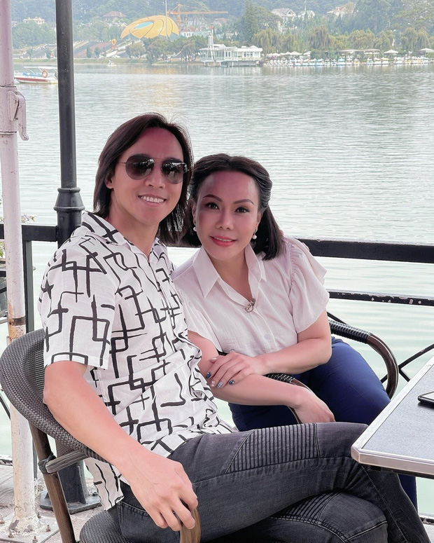 Lại là vợ chồng Việt Hương: Vừa lo hậu sự cho NS Bạch Mai, vội vàng chở Phi Nhung vào Chợ Rẫy giữa đêm vì bệnh chuyển biến nặng-6