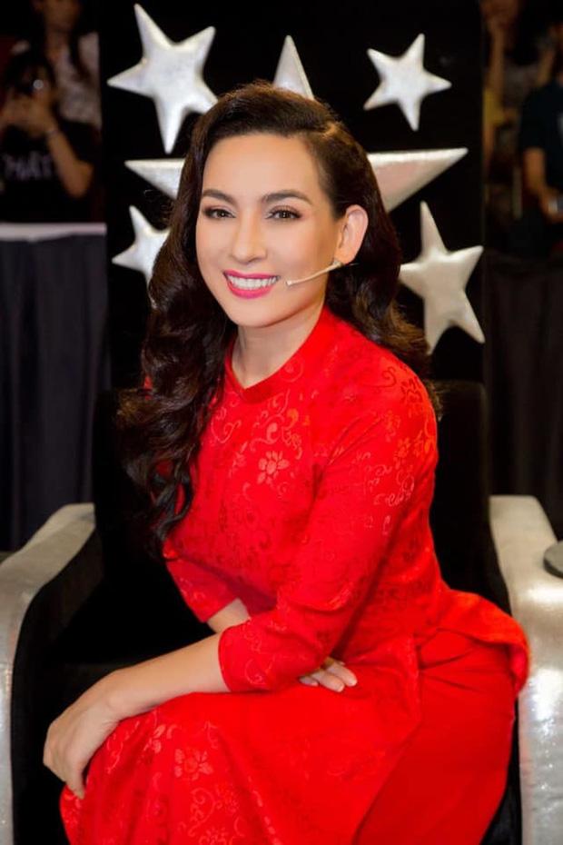 Nhiều nghệ sĩ đăng tải status vĩnh biệt Phi Nhung khiến khán giả hoang mang, đại diện nữ ca sĩ phản ứng gắt: Đó là tin giả!-4