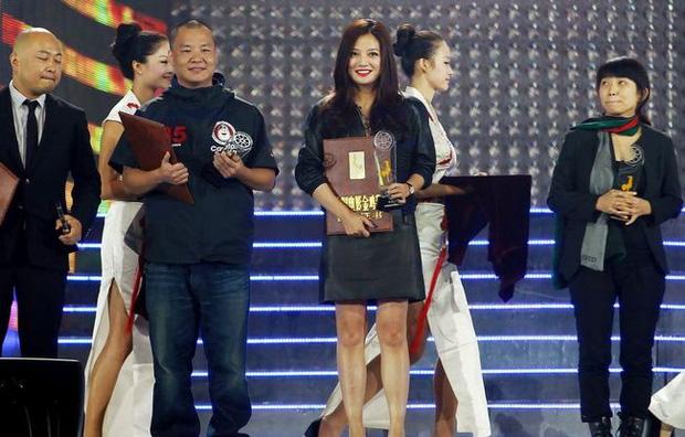 Triệu Vy bị thu hồi loạt giải thưởng và tước danh hiệu Đại Hoa đán, chính thức bị đào thải khỏi làng giải trí Hoa ngữ-3
