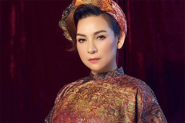 Xuất hiện hình ảnh Phi Nhung nằm viện, người thân cận nữ ca sĩ lập tức lên tiếng-3
