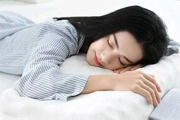 Mỗi người dành 1/3 cuộc đời để ngủ: Nhưng thường xuyên ngủ vào 3 thời điểm này thì chính là đang tự rút ngắn tuổi thọ của mình-3