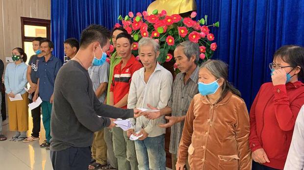 Dân mạng nói không cần sao kê 6 tỷ tiền từ thiện thành 216 trang, vợ chồng Lý Hải - Minh Hà có phản ứng phải nể phục!-4