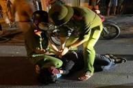 Thiếu niên 14 tuổi mê game bạo lực cầm dao đâm 2 chị em người hàng xóm