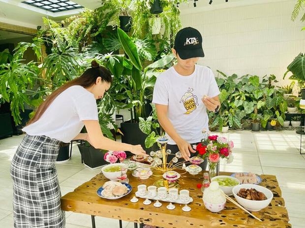 Khánh Thi bị netizen tổng tấn công sau màn lộ diện đầy hạnh phúc bên Phan Hiển giữa tin đồn rạn nứt-2
