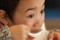Bé gái 7 tuổi đã dậy thì sớm, hóa ra do người mẹ thường xuyên cho con dùng đồ ăn này