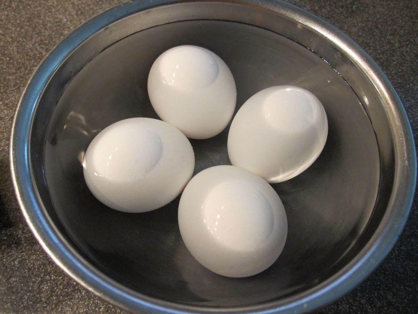 Luộc trứng bằng nước sôi hay lạnh, nhiều người làm sai bảo sao trứng nứt vỏ, không ngon-1