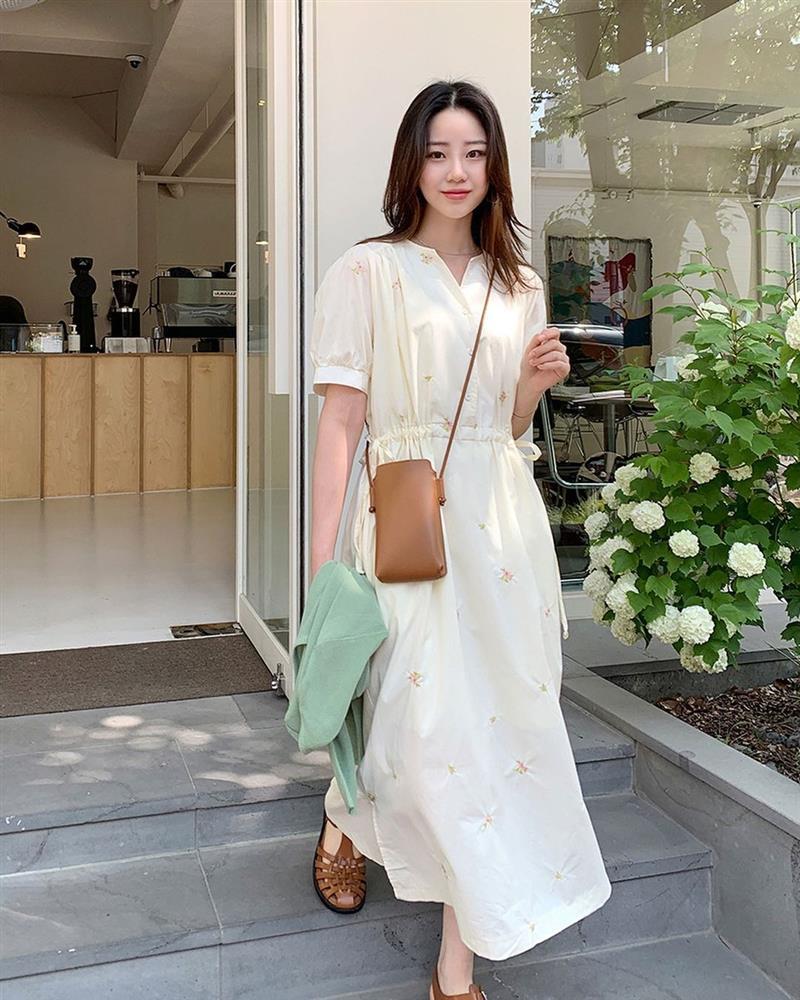 Đây là mẫu váy hot nhất đầu thu 2021: Mặc lên sang chảnh ngút ngàn, dù chỉ mua với giá bình dân-9