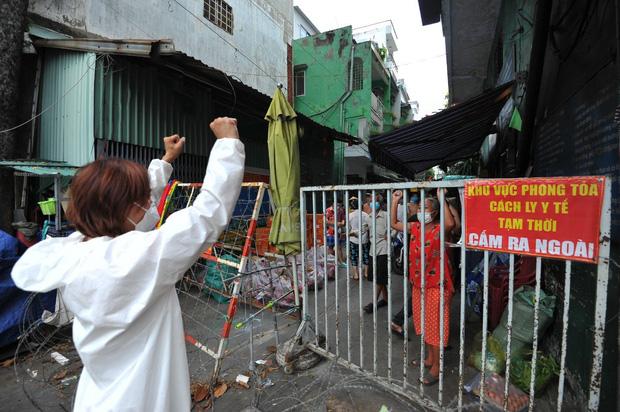 Không kêu gọi 1 đồng từ thiện, Việt Hương vẫn có hành động đáng khâm phục giữa lúc showbiz gặp bão sao kê-6