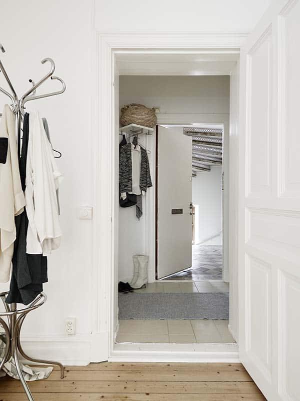 Căn hộ 1 phòng ngủ với thiết kế sàn mở tận dụng được tối đa không gian, đem lại cảm giác vừa rộng rãi vừa ấm áp và vô cùng tiện dụng-19
