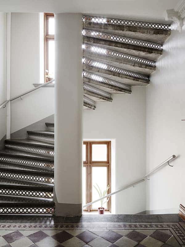 Căn hộ 1 phòng ngủ với thiết kế sàn mở tận dụng được tối đa không gian, đem lại cảm giác vừa rộng rãi vừa ấm áp và vô cùng tiện dụng-21