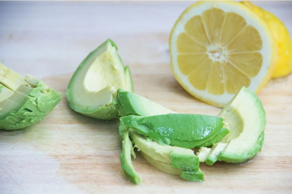 Mua bơ về đừng vội ném ngay vào tủ: Đây mới là cách bảo quản tốt nhất cho bơ tươi ngon, béo ngậy-2