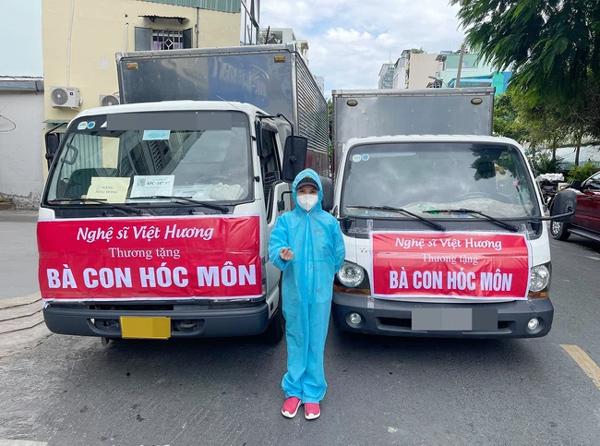 Việt Hương xin lỗi vì lỡ phát gạo mốc cho bà con khó khăn-2