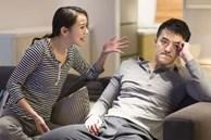 Nửa đêm, chồng bỗng giận dỗi ôm gối ra phòng khách ngủ, biết nguyên do mà tôi tức anh ách