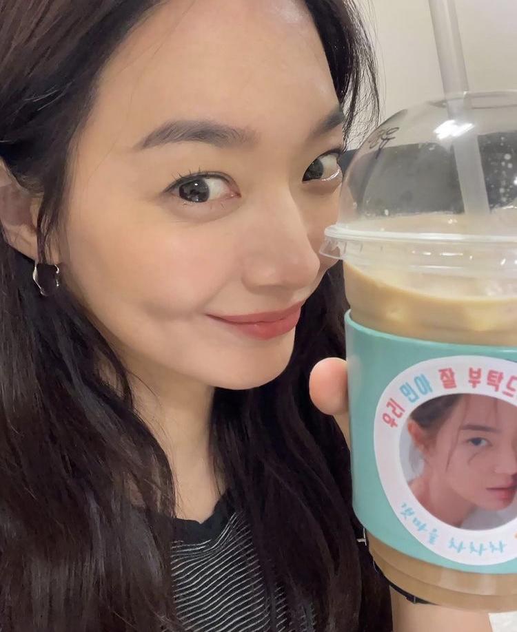 Bí quyết gìn giữ vẻ đẹp không tì vết của Shin Min Ah ở tuổi U40-2