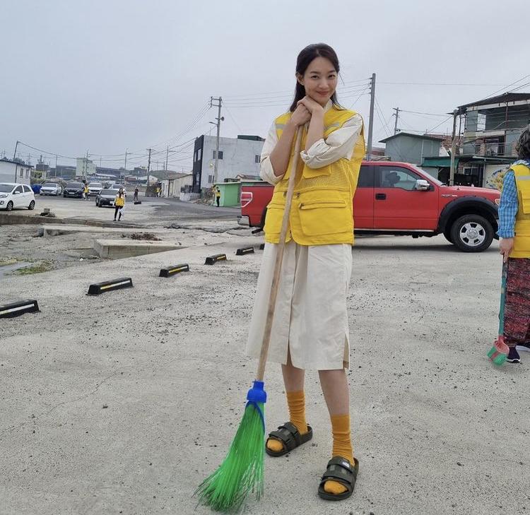 Bí quyết gìn giữ vẻ đẹp không tì vết của Shin Min Ah ở tuổi U40-6