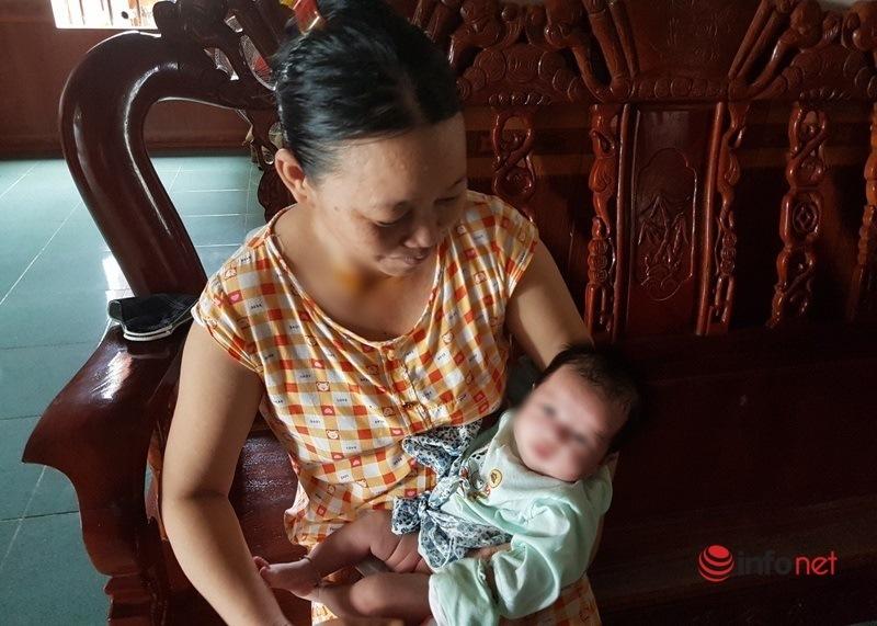 Cặp vợ chồng mất 2 con trai nghẹn lòng khi gặp bé sơ sinh bỏ trước cổng nhà-2