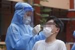 Hà Nội: Tạm thời phong tỏa tòa nhà hơn 350 nhân khẩu sau khi một cư dân bán hàng ở sảnh dương tính SARS-CoV-2-6