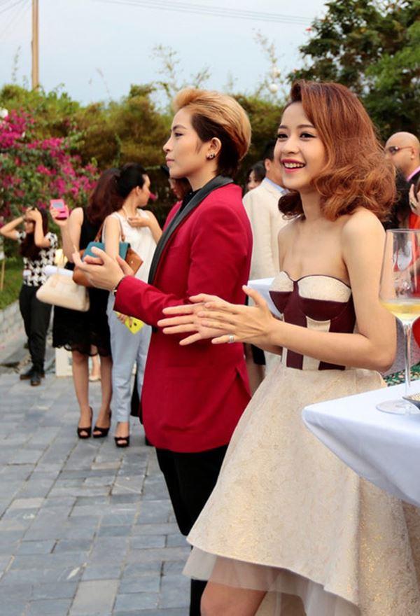 Khi vòng ngực sao Việt chết đuối trong tấm áo chẳng sinh ra để dành cho nhau-11