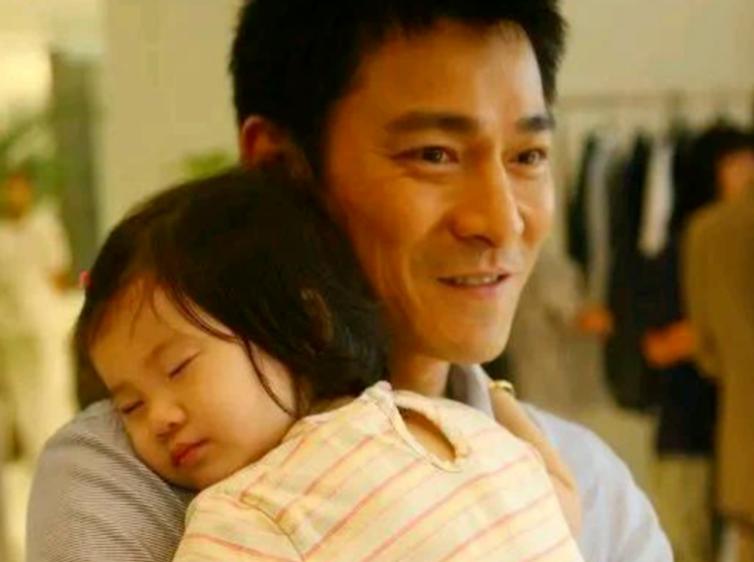 Con gái Lưu Đức Hoa giàu từ trong trứng nước, sở hữu khối tài sản khủng nghìn tỷ nhưng lại thua kém nhiều đứa trẻ khác về mặt này-3