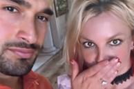 Britney Spears đính hôn với người tình trẻ kém 13 tuổi sau khi được bố 'trả tự do'