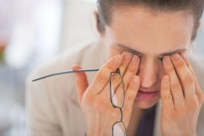 Bất luận nam hay nữ, không muốn bị nhồi máu não thì nên tránh 5 thói quen này vào buổi sáng sớm-4