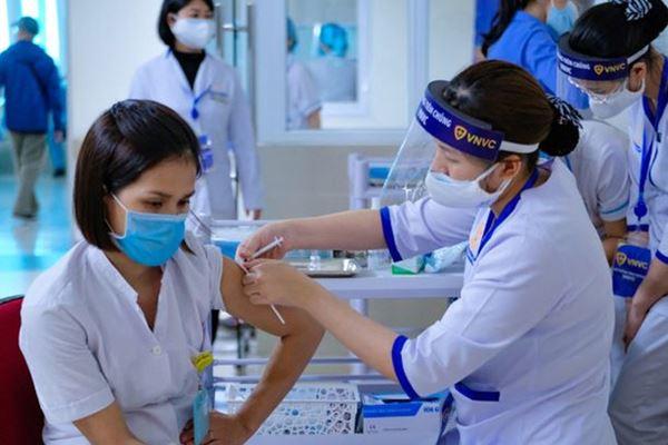 Có nên tiêm phòng vắc-xin Covid-19 cho trẻ em hay không?-3