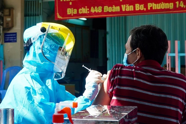 GS Nguyễn Văn Tuấn: 5 yếu tố khiến người tiêm đủ 2 liều vaccine vẫn có thể mắc Covid-19-1