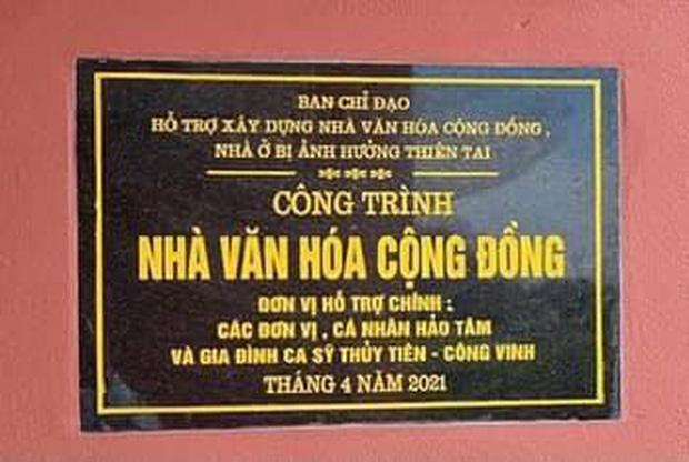 Netizen tranh cãi hình ảnh Thuỷ Tiên tặng thuyền máy cứu trợ miền Trung nhưng chỉ ghi tên 2 vợ chồng, phía chính chủ nói gì?-7