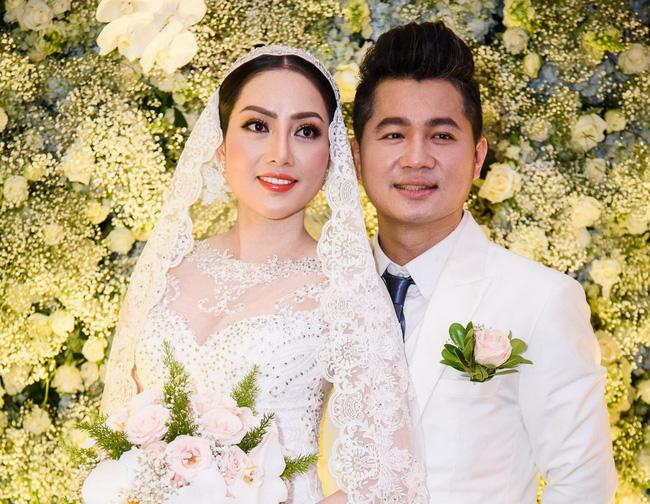 Một cặp đôi chồng ca sĩ - vợ Hoa hậu của Vbiz đã chính thức ly hôn-2